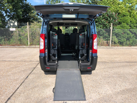 Peugeot Expert 2009 TEPEE COMFORT L1 HDI 6STR Wheelchair Accessible Vehicle WAV 4