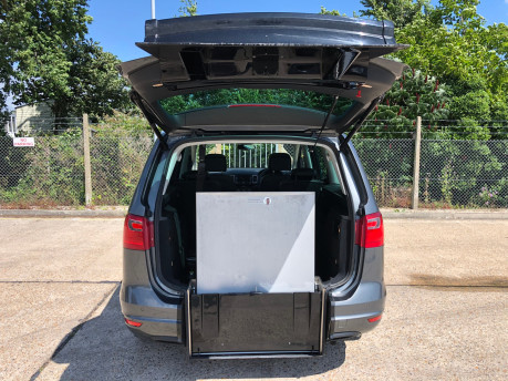 SEAT Alhambra 2014 TDI CR SE LUX DSG Wheelchair Accessible Vehicle WAV 2