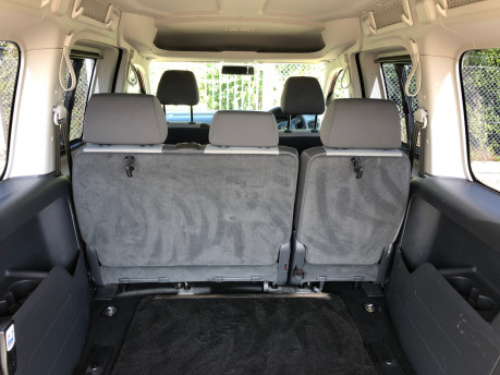 Volkswagen Caddy Maxi Life 2014 C20 LIFE TDI wheelchair & scooter accessible vehicle WAV 8