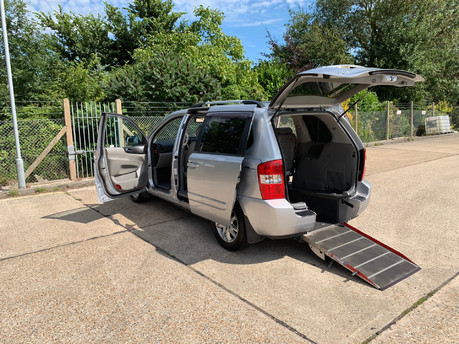 Kia Sedona 2009 3 CRDI wheelchair accessible vehicle WAV