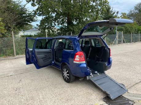 Vauxhall Zafira 2011 EXCLUSIV wheelchair & scooter accessible vehicle WAV 17