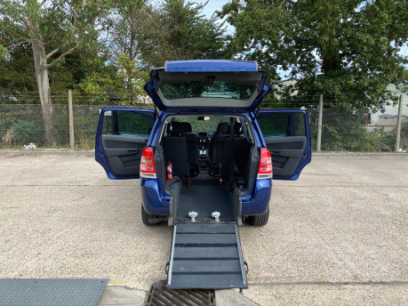 Vauxhall Zafira 2011 EXCLUSIV wheelchair & scooter accessible vehicle WAV 18