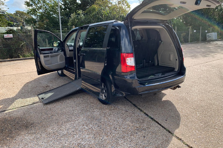 Chrysler Grand Voyager 2013 CRD SR wheelchair accessible vehicle WAV