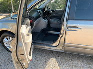 Kia Sedona 2010 3 CRDI wheelchair & scooter accessible vehicle WAV 17