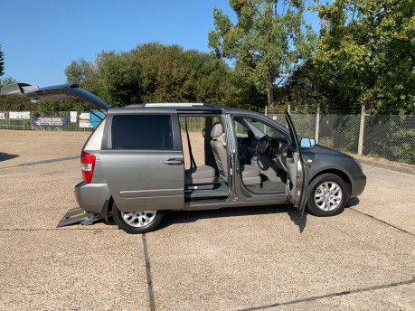 Kia Sedona 2010 3 CRDI wheelchair & scooter accessible vehicle WAV 26