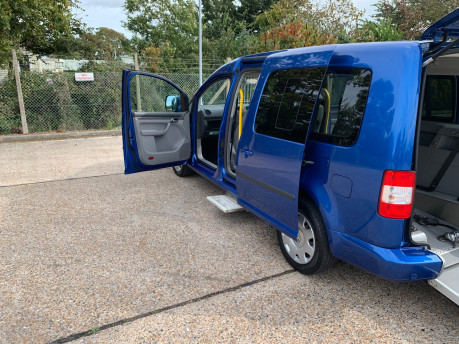 Volkswagen Caddy Maxi Life 2010 LIFE TDI wheelchair & scooter accessible vehicle WAV 21