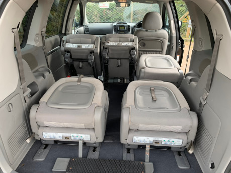 Kia Sedona 2009 LS CRDI wheelchair & scooter accessible vehicle WAV 22