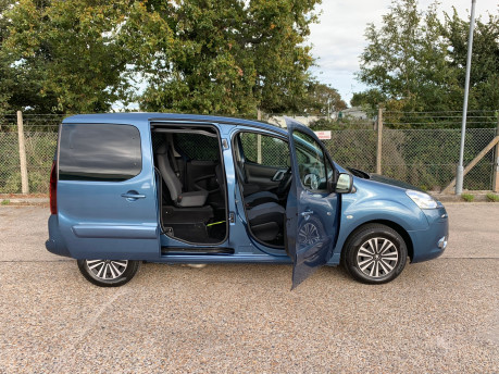 Peugeot Partner 2014 TEPEE S wheelchair accessible vehicles WAV 25