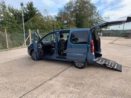 Peugeot Partner 2014 TEPEE S wheelchair accessible vehicles WAV 18