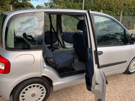 Fiat Multipla 2011 JTD DYNAMIC wheelchair accessible vehicle WAV 27