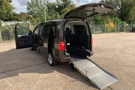 Volkswagen Caddy Maxi Life 2019 C20 LIFE TDI wheelchair accessible vehicle WAV
