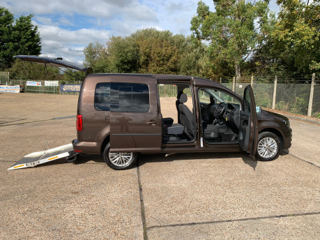 Volkswagen Caddy Maxi 2019 C20 LIFE TDI wheelchair & scooter accessible vehicle WAV 19