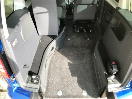 Volkswagen Caddy C20 LIFE TDI Wheelchair Accessible Vehicle 3