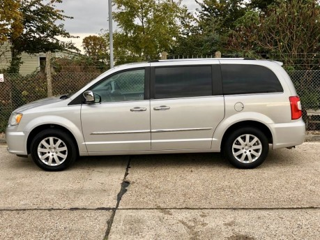 Chrysler Grand Voyager CRD LIMITED Wheelchair Accessible Vehicle WAV 10