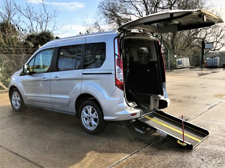 Ford Tourneo Connect TITANIUM 4