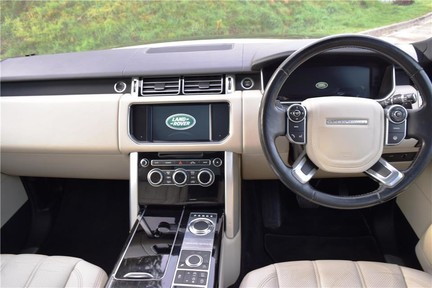 Land Rover Range Rover Vogue Tdv6 (Glass Roof) 7