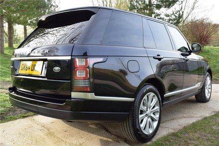 Land Rover Range Rover Vogue Tdv6 (Glass Roof) 12