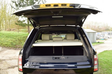 Land Rover Range Rover Vogue Tdv6 (Glass Roof) 26