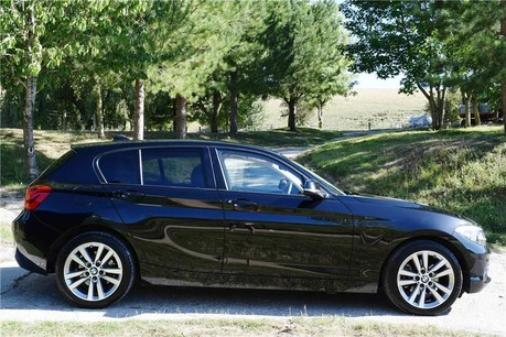 BMW 1 Series Sport Auto Technical Data