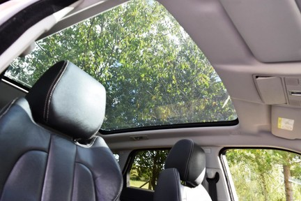 Land Rover Range Rover Evoque Dynamic (Glass Roof) 10
