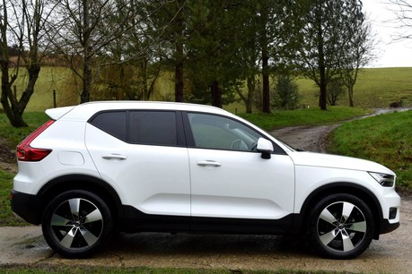 Volvo XC40 Momentum Pro T3 Technical Data