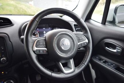 Jeep Renegade Limited 29