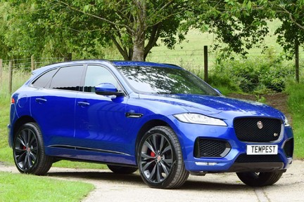Jaguar F-Pace 3,0 V6 First Edition AWD 1