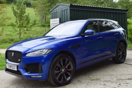Jaguar F-Pace 3,0 V6 First Edition AWD 2
