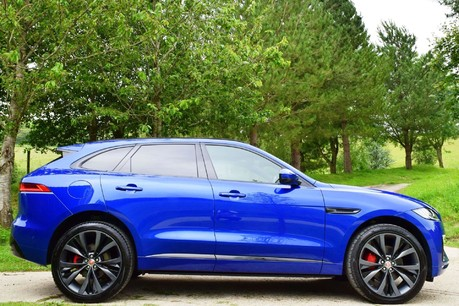 Jaguar F-Pace 3,0 V6 First Edition AWD Technical Data