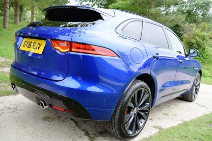 Jaguar F-Pace 3,0 V6 First Edition AWD 12