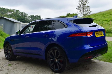 Jaguar F-Pace 3,0 V6 First Edition AWD 14