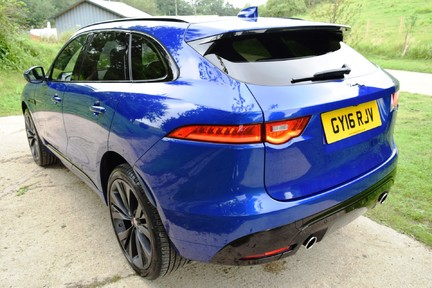 Jaguar F-Pace 3,0 V6 First Edition AWD 36