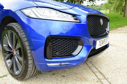 Jaguar F-Pace 3,0 V6 First Edition AWD 40