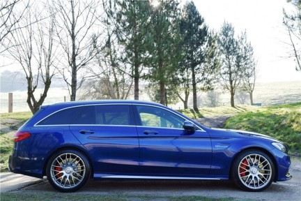 Mercedes-Benz C Class C63s High Specification 5