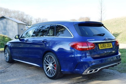 Mercedes-Benz C Class C63s High Specification 14