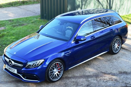 Mercedes-Benz C Class C63s High Specification 25