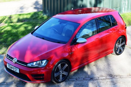 Volkswagen Golf R 21