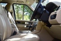 Land Rover Discovery Hse Sdv6 Auto 9