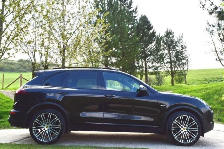 Porsche Cayenne V6 Diesel Tiptronic Technical Data
