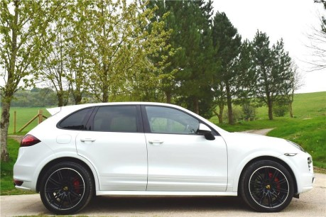 Porsche Cayenne Gts V8 Tiptronic Technical Data