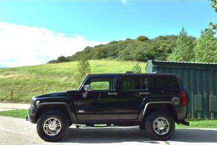 Hummer H3 Right Hand Drive 13