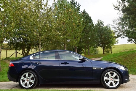 Jaguar XE Portfolio D Awd Auto Technical Data