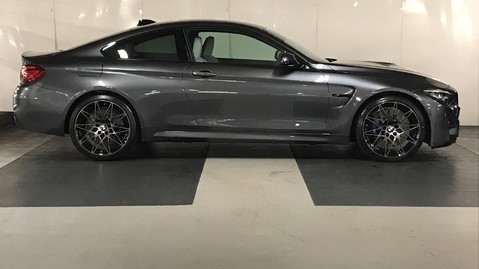 BMW M4 Competition Coupe 4