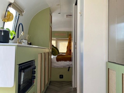 Airstream Sovereign Excella  14
