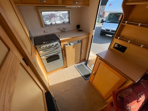 Elddis Autoquest 300 5 Berth 16