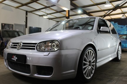 Volkswagen Golf R32 - LOW MILES | FULL HISTORY | NEW CLUTCH & FLYWHEEL | CARBON INDUCTION 1