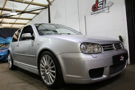 Volkswagen Golf R32 - LOW MILES | FULL HISTORY | NEW CLUTCH & FLYWHEEL | CARBON INDUCTION 4