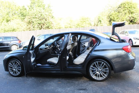 BMW 3 Series 330D XDRIVE M SPORT - SURROUND 360 CAMERAS- BODYKIT - CASHMERE LEATHER 13