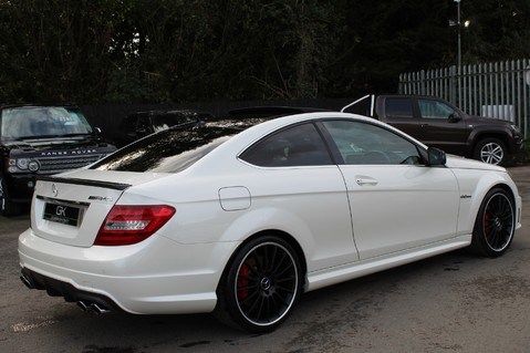 Mercedes-Benz C Class C63 AMG - PERFORMANCE PACKAGE- CARBON- MEDIA-16K FACTORY OPTIONS -LSD-FMBSH 5