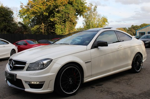 Mercedes-Benz C Class C63 AMG - PERFORMANCE PACKAGE- CARBON- MEDIA-16K FACTORY OPTIONS -LSD-FMBSH 8